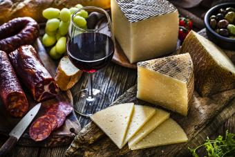 Manchego cheese and Nebbiolo wine