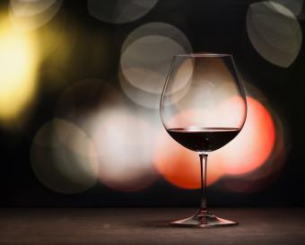 red wine balloon glass