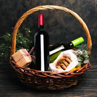 wine in Christmas basket