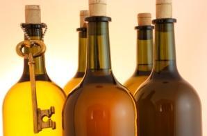 Old_wine_bottles_and_skeleton_key.jpg
