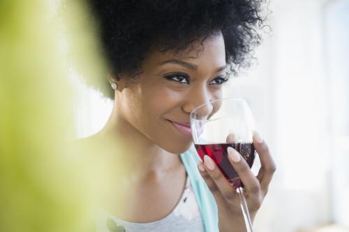 Sniffing a wine's aromas