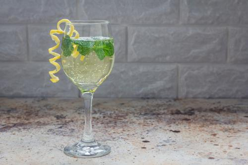Wine spritzer with a twist