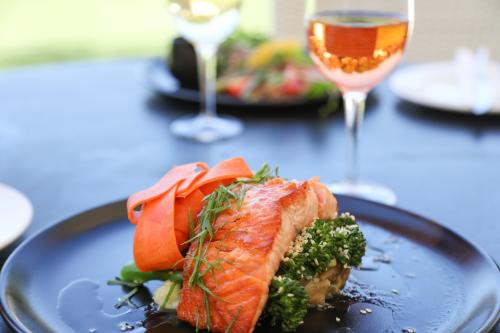 salmon and rosé wine