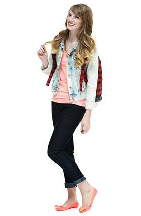 85758b366ca How to Wear Cuffed Jeans | LoveToKnow