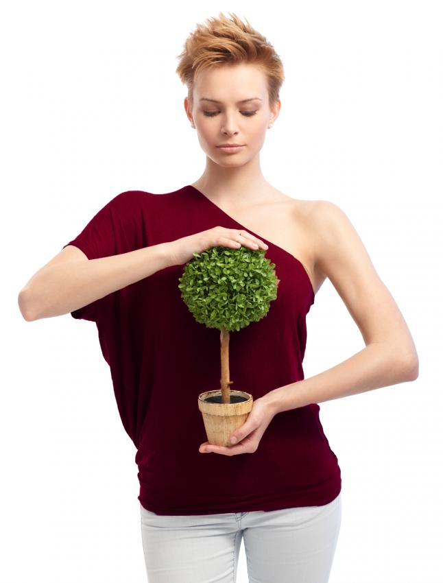 https://cf.ltkcdn.net/womens-fashion/images/slide/198029-646x850-shoulder2_dramaticadj.jpg