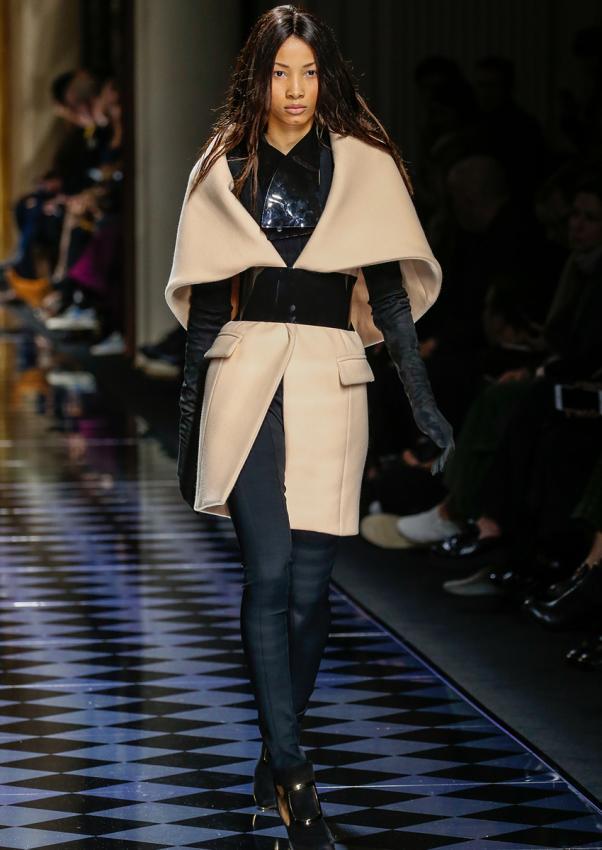 https://cf.ltkcdn.net/womens-fashion/images/slide/198874-602x850-coats5_tailoredcrop.jpg