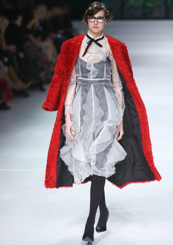 https://cf.ltkcdn.net/womens-fashion/images/slide/198876-602x850-coats7_altcrop.jpg