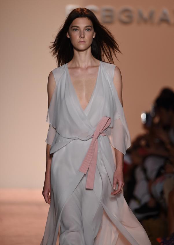 https://cf.ltkcdn.net/womens-fashion/images/slide/199302-602x850-sheer8_wrapcrop.jpg