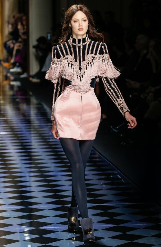 https://cf.ltkcdn.net/womens-fashion/images/slide/200016-556x850-winter01_primarycrop.jpg