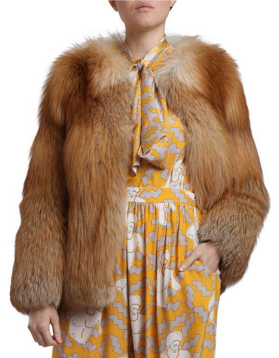 https://cf.ltkcdn.net/womens-fashion/images/slide/207055-564x723-Natural-Fox-Fur-Jacket.jpg