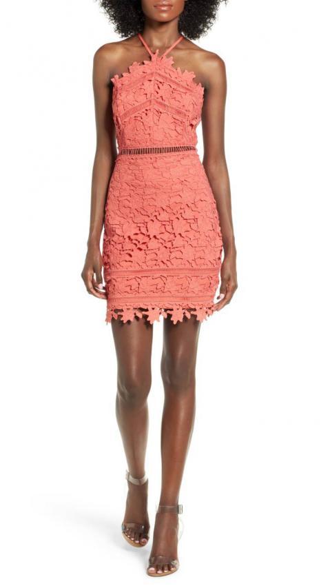https://cf.ltkcdn.net/womens-fashion/images/slide/216359-479x850-corallacedress.jpg