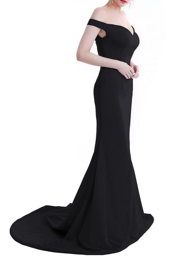 https://cf.ltkcdn.net/womens-fashion/images/slide/219461-567x850-formalblackgown.jpg