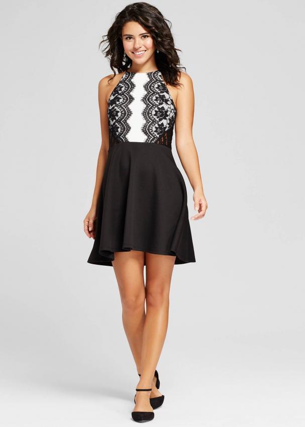 https://cf.ltkcdn.net/womens-fashion/images/slide/223322-607x850-bwskaterdress.jpg