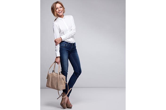 https://cf.ltkcdn.net/womens-fashion/images/slide/224505-704x469-Cool-Outfit.jpg