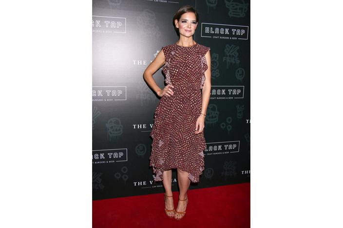 https://cf.ltkcdn.net/womens-fashion/images/slide/224520-704x469-midi-dress-with-ruffles-and-high-low-hem.jpg
