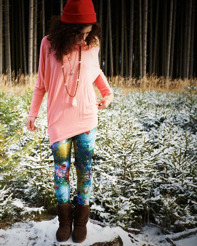 https://cf.ltkcdn.net/womens-fashion/images/slide/225843-680x850-colorfulcasual.jpg