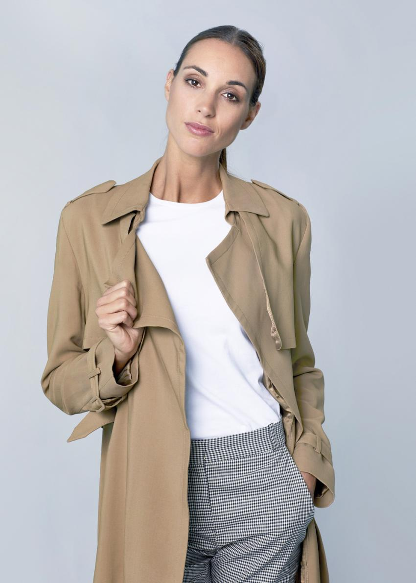 https://cf.ltkcdn.net/womens-fashion/images/slide/231134-850x1190-classic_look.jpg