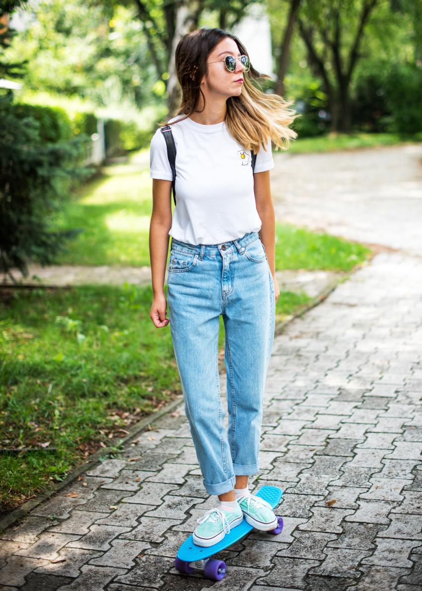 https://cf.ltkcdn.net/womens-fashion/images/slide/231135-850x1190-casual_look.jpg