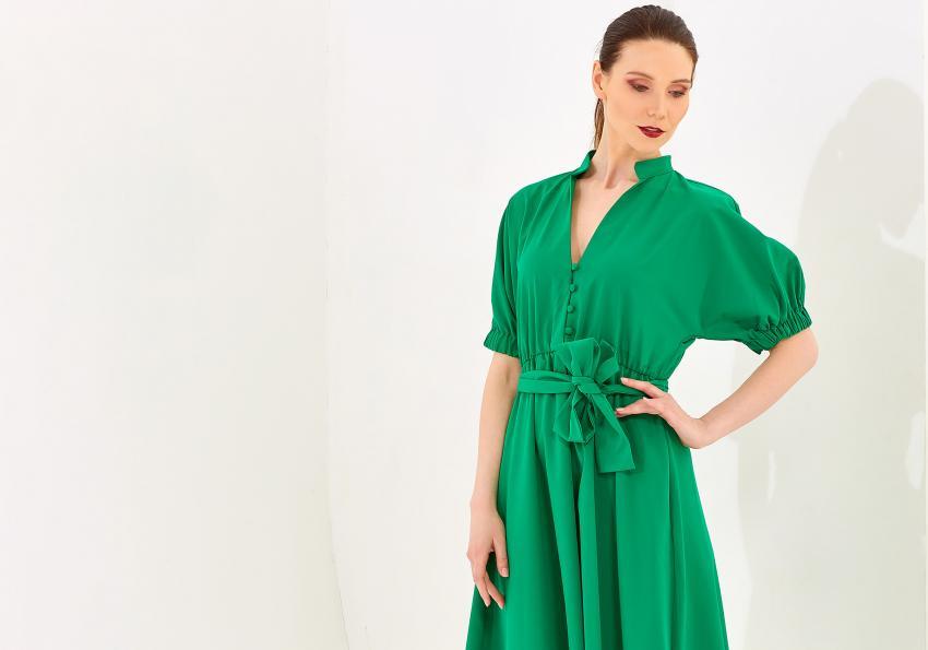 https://cf.ltkcdn.net/womens-fashion/images/slide/258432-850x595-6_Emerald_green_dress.jpg