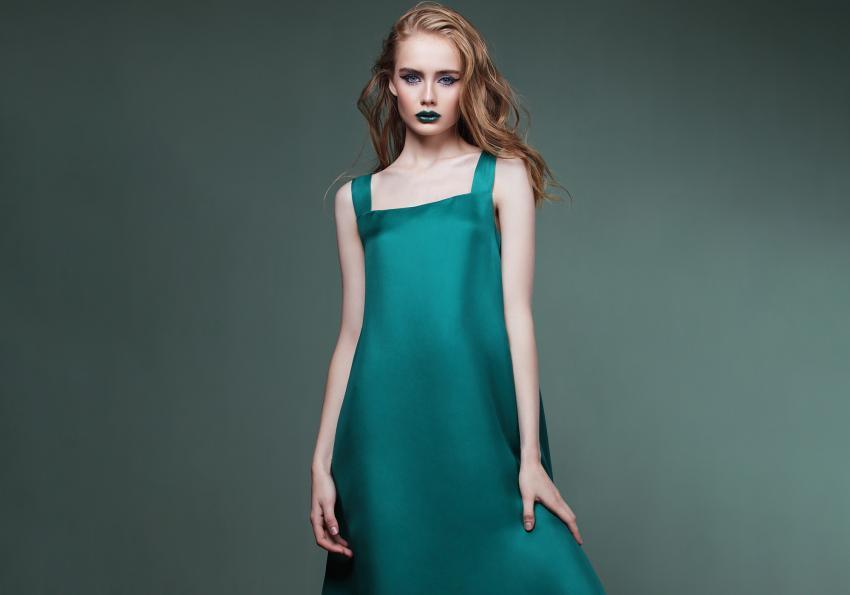 https://cf.ltkcdn.net/womens-fashion/images/slide/258433-850x595-7_Green_slip_dress.jpg
