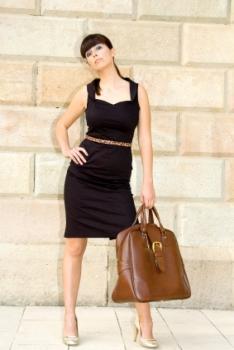 https://cf.ltkcdn.net/womens-fashion/images/slide/49482-234x350-skinny-belt.jpg