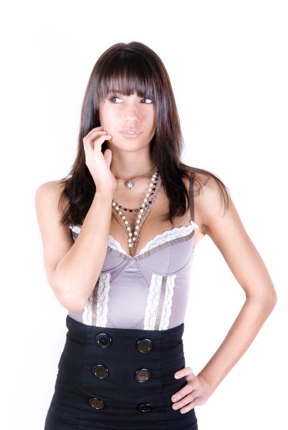 https://cf.ltkcdn.net/womens-fashion/images/slide/49536-567x847-avant-garde1.jpg