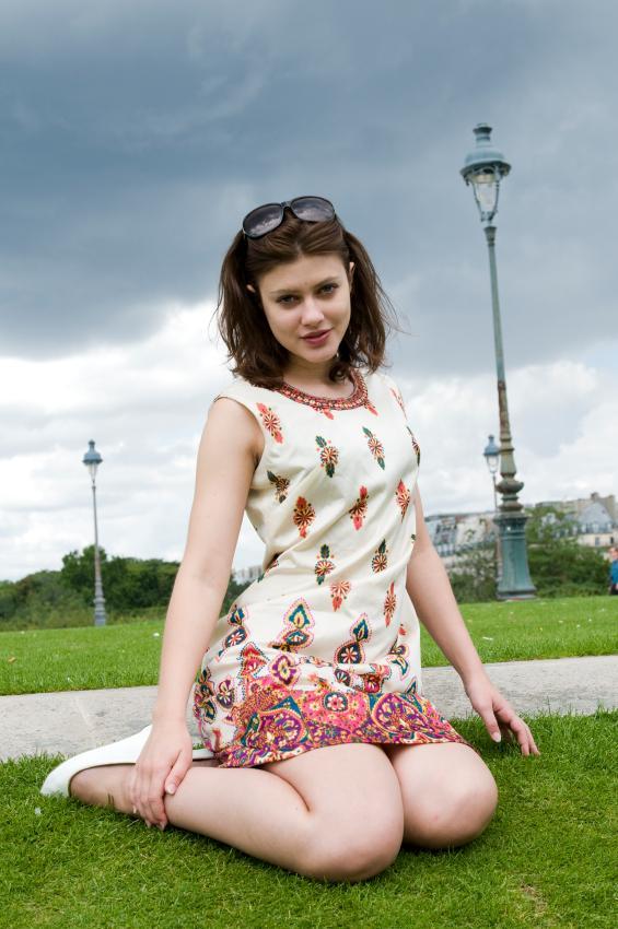 https://cf.ltkcdn.net/womens-fashion/images/slide/49561-565x850-summer-dress8.jpg