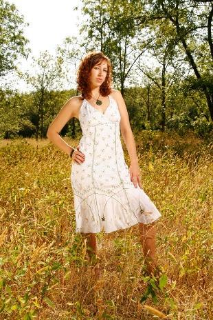 https://cf.ltkcdn.net/womens-fashion/images/slide/49570-310x464-iStock_000008025677Small.jpg