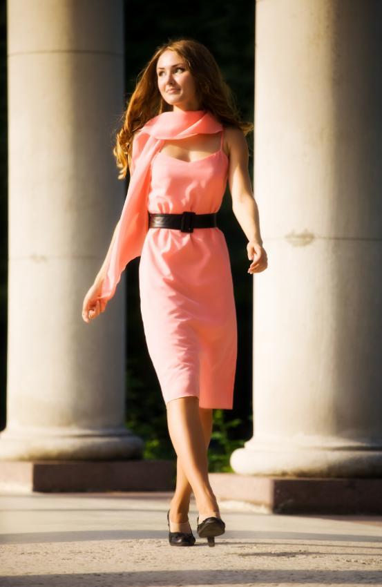 https://cf.ltkcdn.net/womens-fashion/images/slide/49615-553x850-iStock_000007179367Small.jpg