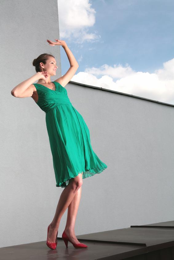 https://cf.ltkcdn.net/womens-fashion/images/slide/49616-566x848-iStock_000008059997Small.jpg
