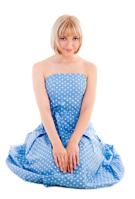 https://cf.ltkcdn.net/womens-fashion/images/slide/49619-572x839-iStock_000008095583Small.jpg