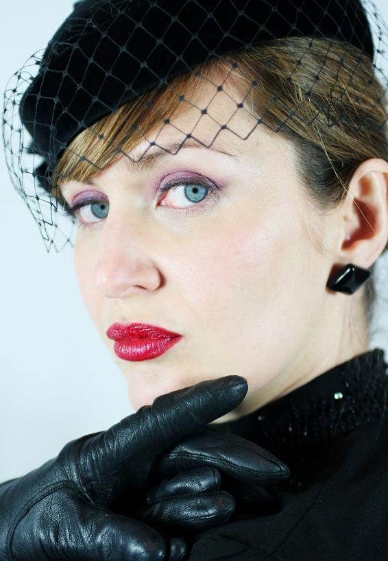 https://cf.ltkcdn.net/womens-fashion/images/slide/49628-566x818-40s-4.jpg