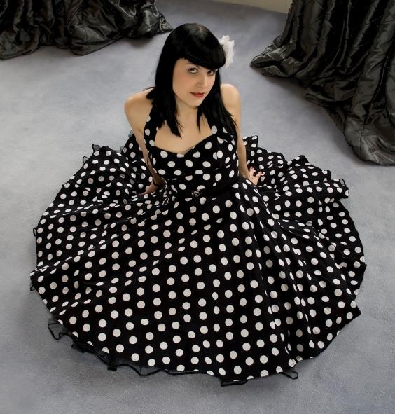 https://cf.ltkcdn.net/womens-fashion/images/slide/49629-564x591-40s-5.jpg