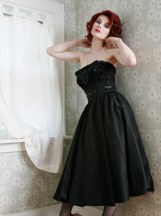 https://cf.ltkcdn.net/womens-fashion/images/slide/49630-552x741-40s-6.jpg