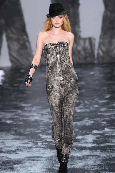 https://cf.ltkcdn.net/womens-fashion/images/slide/49768-400x600-overalls3.jpg