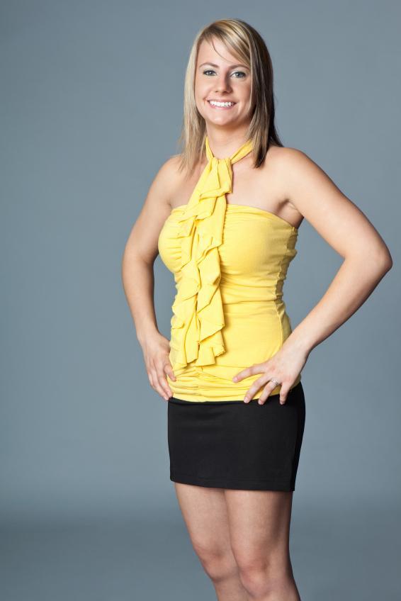https://cf.ltkcdn.net/womens-fashion/images/slide/92590-566x848r2-SimpleBlackMini.jpg