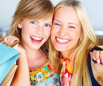 Tips for Shopping at Strawberry Clothing Store in New York City