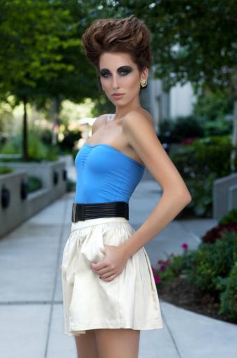 https://cf.ltkcdn.net/womens-fashion/images/slide/142428-565x850r1-shorttube.jpg