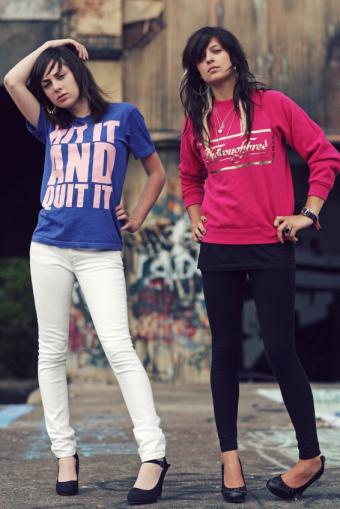 https://cf.ltkcdn.net/womens-fashion/images/slide/145971-566x848-white-skinny-jeans.jpg