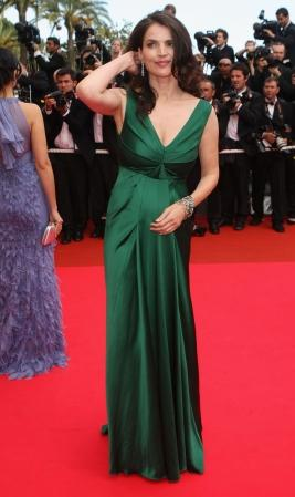 Julia Ormand celebrity textured dress