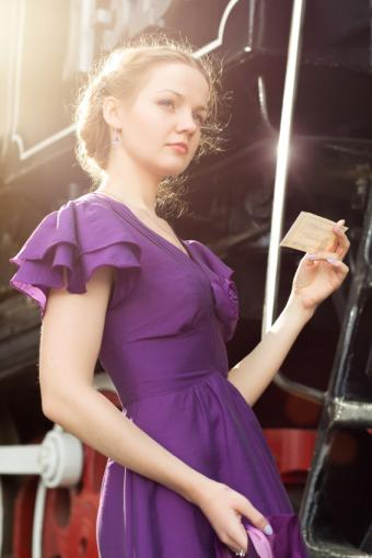 https://cf.ltkcdn.net/womens-fashion/images/slide/156591-566x848r1-triangle-dress.jpg
