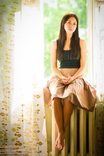 https://cf.ltkcdn.net/womens-fashion/images/slide/156594-566x848r1-inverted-triangle-skirt.jpg