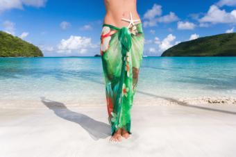 https://cf.ltkcdn.net/womens-fashion/images/slide/159772-849x565-Long_skirt_sarong.jpg