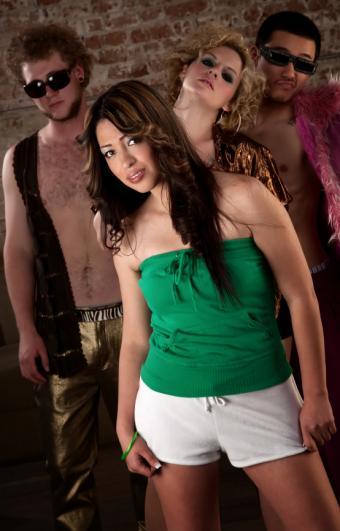 https://cf.ltkcdn.net/womens-fashion/images/slide/168489-544x850-Green-tube-top.jpg