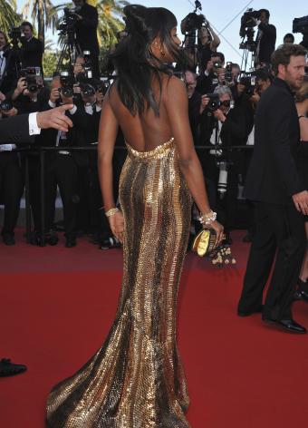 https://cf.ltkcdn.net/womens-fashion/images/slide/197386-613x850-gowns17_goldcrop.jpg