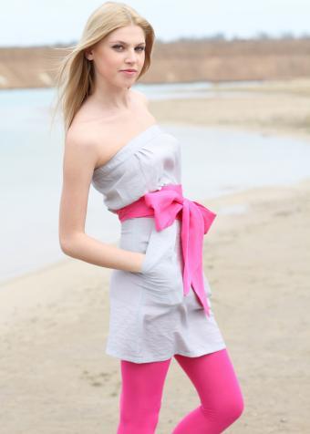 https://cf.ltkcdn.net/womens-fashion/images/slide/197909-607x850-leggings04_colorscrop.jpg
