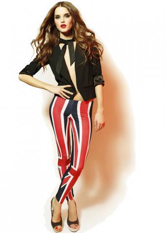 https://cf.ltkcdn.net/womens-fashion/images/slide/197916-607x850-leggings07_boldcrop.jpg