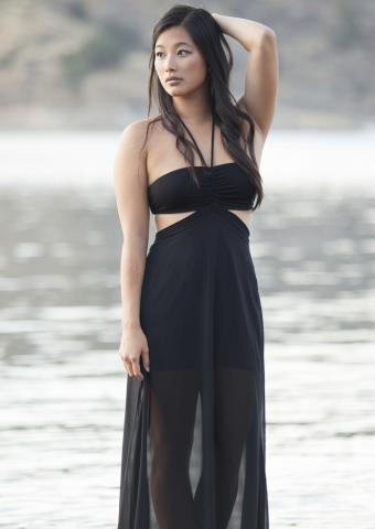 https://cf.ltkcdn.net/womens-fashion/images/slide/199289-602x850-sheer9_coverupcrop.jpg