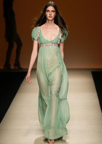 https://cf.ltkcdn.net/womens-fashion/images/slide/199311-602x850-sheer99c_maxicrop.jpg