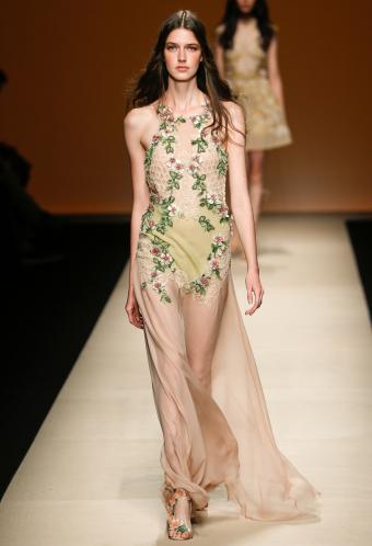 https://cf.ltkcdn.net/womens-fashion/images/slide/199484-580x850-romantic9_subtlecrop.jpg